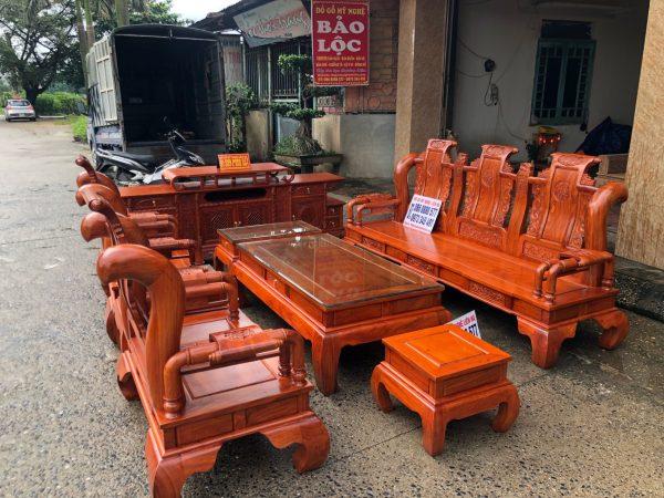 Bộ ghế tần thủy hoàng 7 món cột 12 bàn đục gỗ hương đá VIP