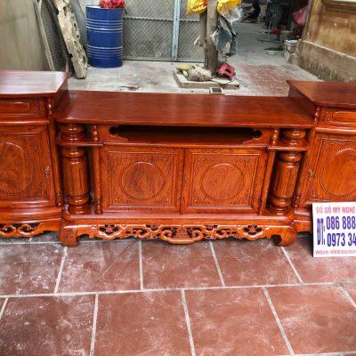 Kệ tivi cột nho mẫu trơn gỗ hương đá VIP